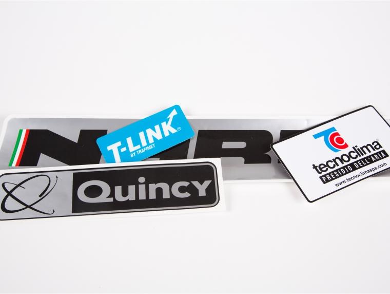 Stampa di etichette adesive industriali
