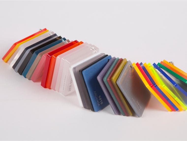 Stampa digitale di policarbonato colorato